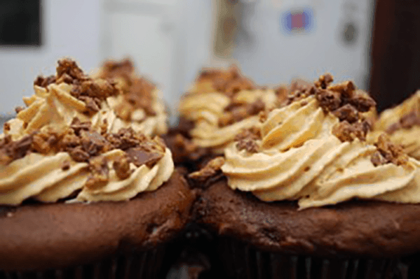 Recipe: Reese's Peanut Butter Cupcakes