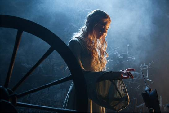 My Visit With Elle Fanning & The Pressures Of Being Aurora In Disney's Maleficent
