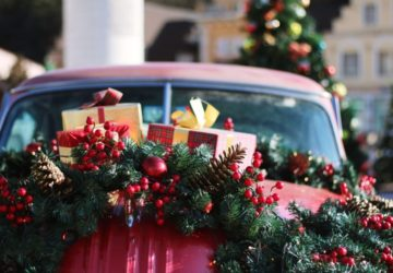 7 Survival Tips For Traveling This Holiday Season