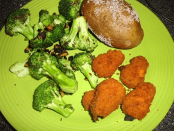 Recipe: Salted Baked Potatoes And Broccoli With Garlic