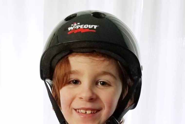 Customizable Kids Protective Gear – Wipeout Dry Erase Helmet And Pads