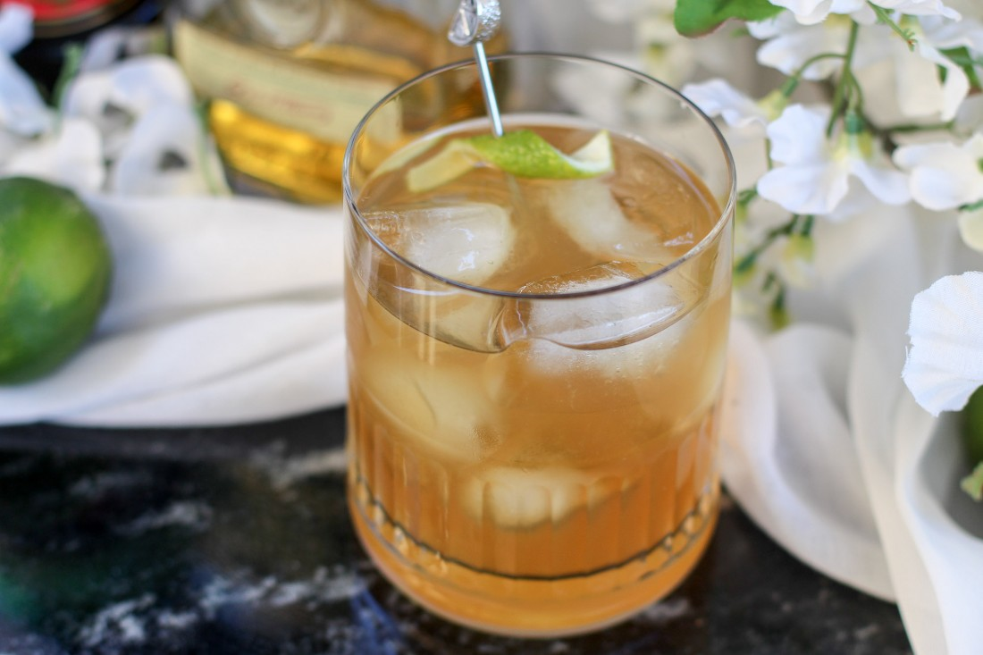 The Irish Old-fashioned Whiskey Cocktail Drink