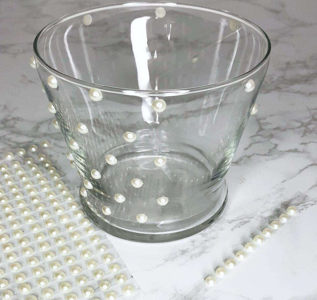 Diy – Pearl Buttons Makeup Brush Holder