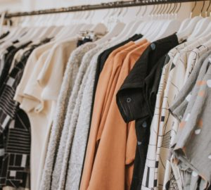 How To Get Started Selling On Poshmark – 6 Key Tips