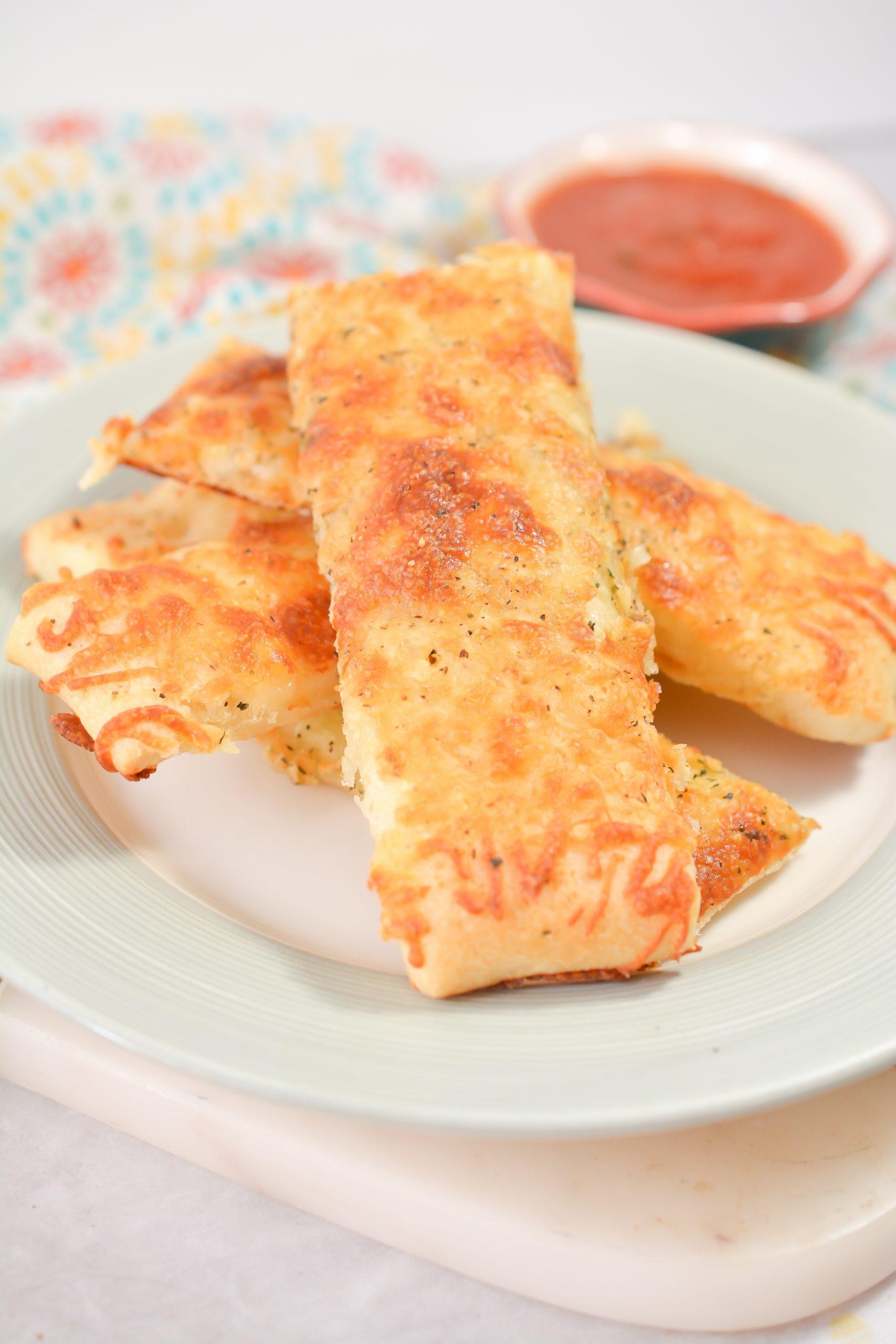 homemade cheesy garlic breadsticks 1